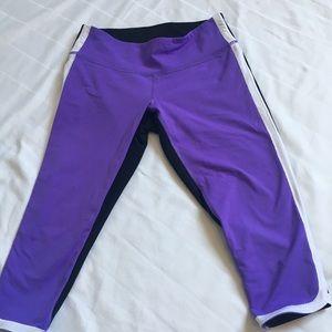 Lululemon Crop Pants  size 6. Purple and black